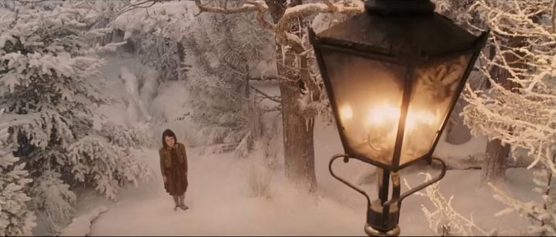 Le monde de Narnia : chapitre 1 : le lion, la sorcière blanche et l'armoiremagique
